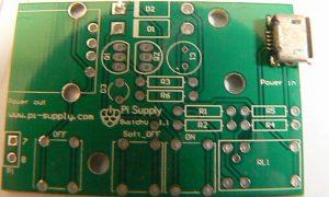 Pi Supply Switch 基板